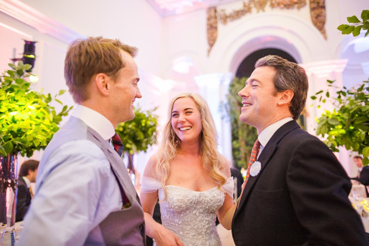 Kensington Palace Orangery wedding photography by Marianne Taylor. Click through to see more!
